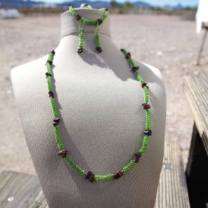 Green Wire Coils Dark Tiger Eye Chips Necklace Earring Set